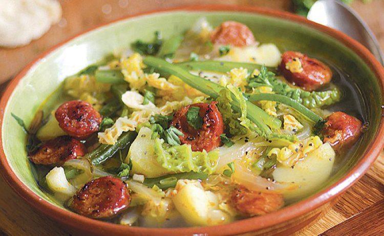 Supa od kobasice, krompira i kelja
